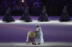 Artists perform during the closing ceremony of the Rio 2016 Olympic Games at the Maracana stadium in Rio de Janeiro on August 21, 2016. / AFP / Luis Acosta (Photo credit should read LUIS ACOSTA/AFP/Getty Images)