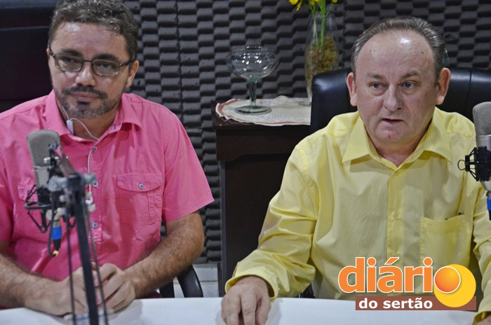 Radialista Levi Dantas entrevistou Zé de Pedrinho (foto: Charley Garrido)