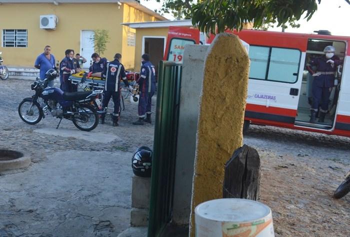 SAMU socorrendo as vítimas (foto: Ângelo Lima)
