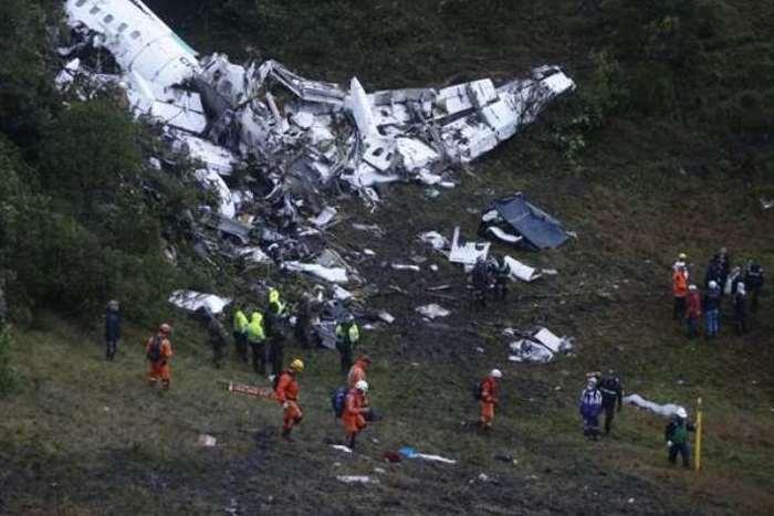 Acidente com avião que levava equipe da chapecoense (Foto: EFE)