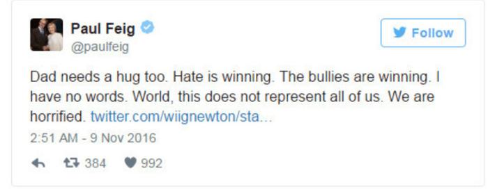 """Paul Feige, diretor de Caça-Fantasmas, foi ao Twitter para mostrar sua decepção: """"O papai precisa de um abraço também. O ódio venceu. Os agressores venceram. Mundo, isso não nos representa. Estamos horrorizados"""""""