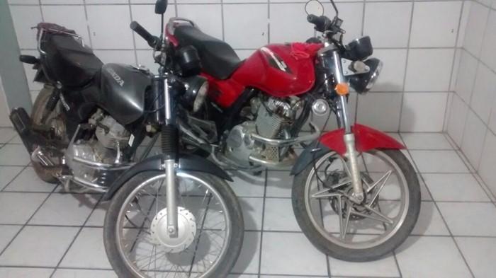 Motocicletas apreendidas em Itaporanga (foto: ascom/13BPM)