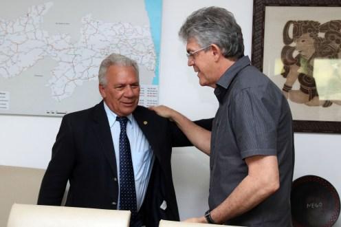 Prefeito de Cajazeiras quer nova audiência com Ricardo Coutinho
