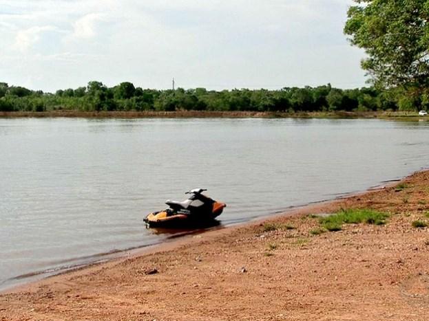 Rodrigo passou mal na aula prática na Lagoa Trevisan, em Cuiabá (Foto: Reprodução/TVCA)