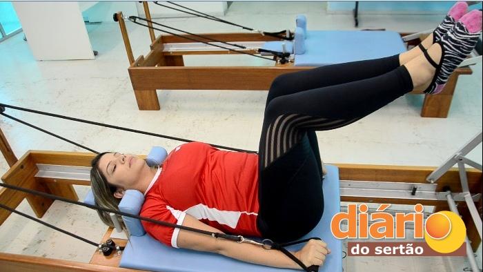 Jacyara França é fisioterapeuta - instrutora de pilates do SESI em Sousa (foto: Charley Garrido)