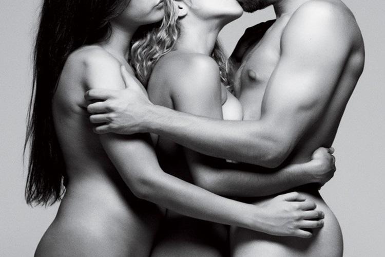 sexo a tres fazendo sexo