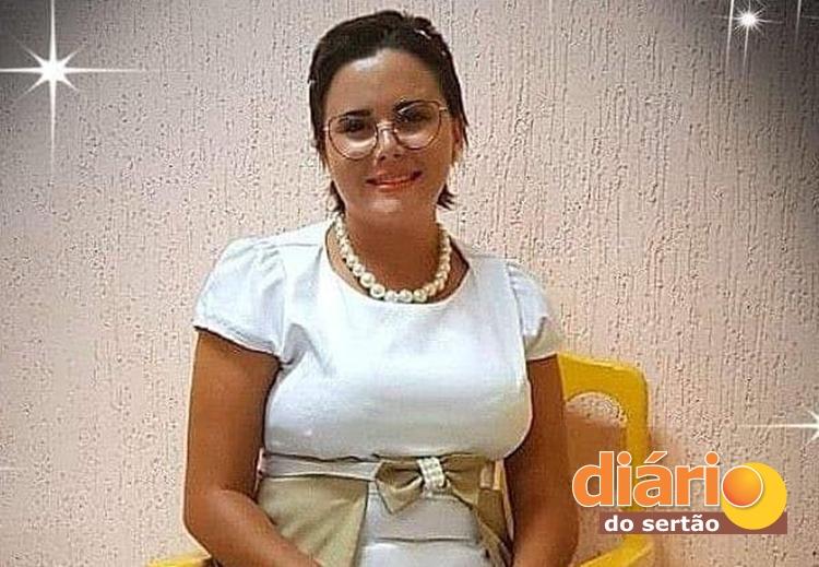Mulher morreu no local do acidente em Sousa (foto: arquivo familiar)