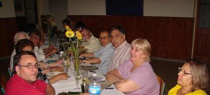 Asistentes a la cena ofrecida por la Asociación Cultural Nuevejuliense.