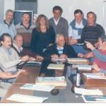 En 1993, junto a los integrantes del Consejo de Administración de la CEyS. De izq. a der., Cándido Martín, Omar Malondra, Sixto Font, José Abel Tártara, Fabiano, Araceli Foglia, Víctor Ascencio, Raúl Porthé (sentado), Juan C. Bibiloni, José María Roggero, Horacio Pirotta, J. F. Emilio Naudín y Ernesto Horcada. Este fue el primer Consejo que integró Omar Malondra, en calidad de miembro titular.