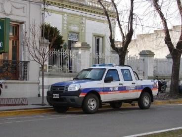 POLICIA26