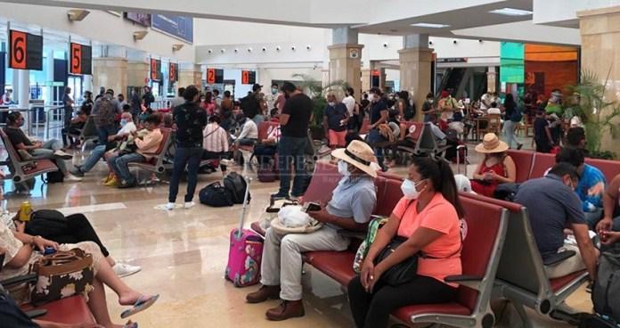 Entre aglomeraciones y sin sana distancia recibe Aeropuerto de Los Cabos  acreditación de medidas sanitarias | Diario El Independiente