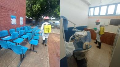 Photo of Bomberos de El Tigre con apoyo de los cisterneros desinfectaron Módulo de La Charneca