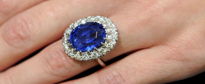 Anillo de zafiro azul Kate