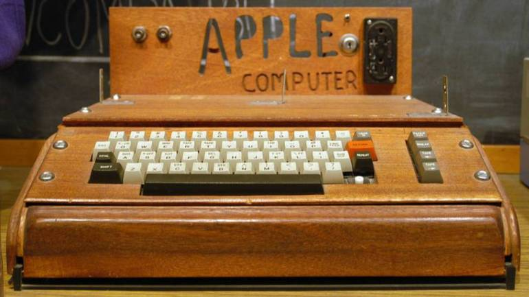 Photography: The iPhone 12 of 10,000 euros is wood