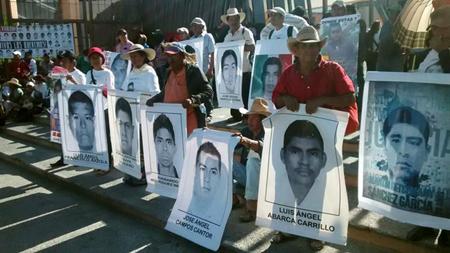 Las autoridades mexicanas capturaron a Ramón Severiano Martínez, miembro del cártel de Guerreros Unidos, presuntamente involucrado en la desaparición de 43 estudiante EFE