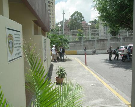 La morgue estuvo repleta este domingo de familiares de las víctimas del hampa