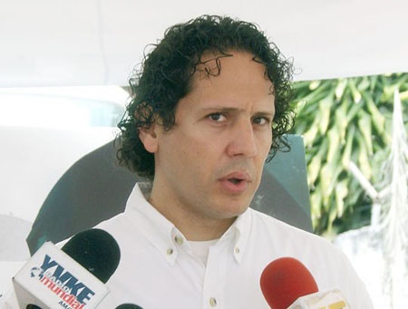 """Desde la Alcaldía de Guaicaipuro se promueve el consumo """"eficiente"""" de energía eléctrica según informó Garcés"""