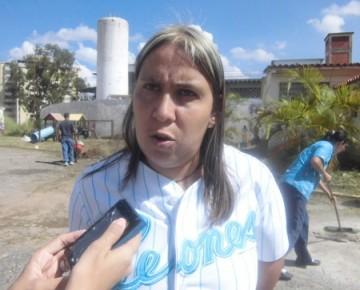 La jefa del distrito escolar se apersonó a la jornada aniversario  de las escuelas bolivarianas
