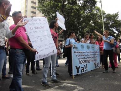 Continuarán en la calle y este miércoles tomarán el distribuidor Los Cerritos de la carretera Panamericana