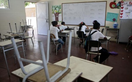 """Ante la realización del  evento denominado La Toma de Venezuela, muchos fueron los padres que optaron por no enviar a sus chamos a escuelas y liceos """"por si acaso"""". Algunos universitarios se sumaron a las acciones de calle.ARCHIVO"""
