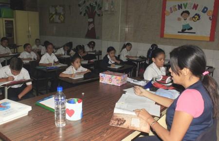 Estudiantes se hallan contentos por retornar a clases
