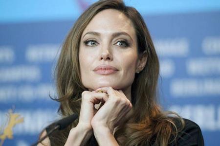 La reconocida actriz Angelina Jolie estaría pensando en aspirar a ocupar el prestigioso cargo de la Secretaría General de la ONU