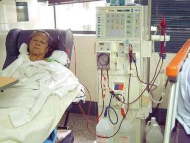 Las únicas opciones de tratamiento para la insuficiencia renal son la diálisis o un trasplante de riñón.