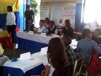 Alumnos de primaria y secundaria  en el Modelo Mirandino de Naciones Unidas