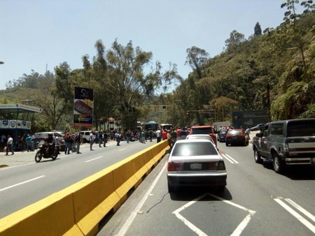 Miles quedaron atrapado en kilométricas colas en la Panamericana