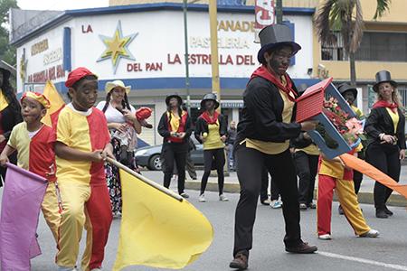 Por más de 10 años la comunidad educativa de Los Arbacos ha mantenido la tradición. Foto: Deisy Peña