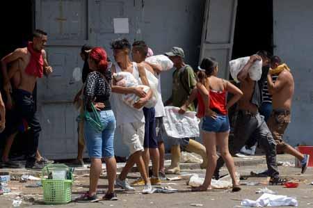 VENEZUELA-CRISIS-LOOTINGS
