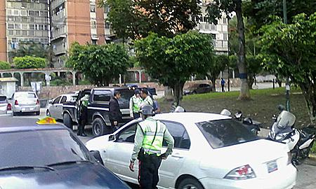 Los uniformados pertenecientes al referido cuerpo policial amonestaron a los conductores  de 11 vehículos.