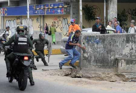 Personas que estaban regresando a sus hogares fueron detenidas sin siquiera estar presentes en la manifestación.