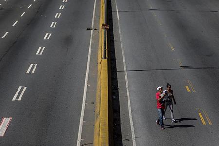En Carrizal y Los Teques lanzaron lacrimógenas a manifestantes