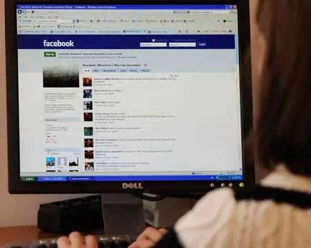 """Facebook anunció este viernes que ofrecerá una opción de """"encriptación de punta a punta"""" para los usuarios de su aplicación Messenger"""