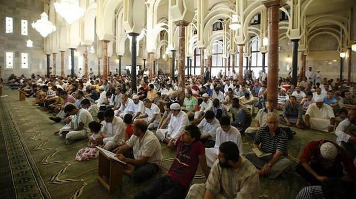 muslmanes-mezquita-Madrid-2015