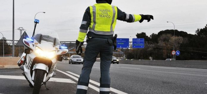 10 Infracciones Quitan Puntos Control Guardia Civil thumbnail