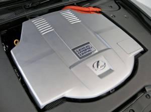 ¿Por qué los coches modernos ocultan su motor bajo un