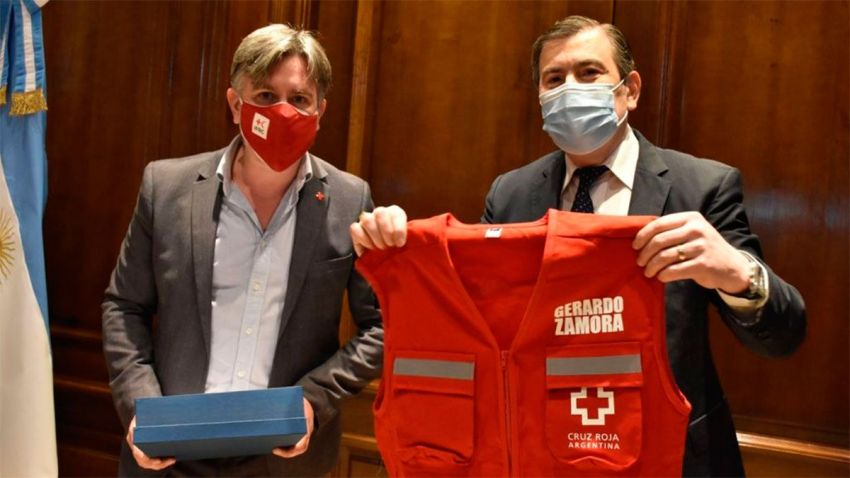 Zamora con la Cruz Roja