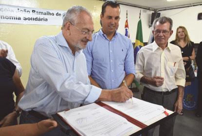 Prefeitura de Diadema oficializa parceria com Governo do Estado em projeto de economia solidária