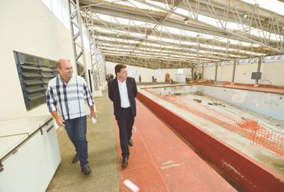 Prefeitura autoriza retomada das obras da piscina olímpica do Baetão