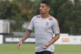 Após duas temporadas, volante Ralf volta a atuar pelo Corinthians contra o Mirassol