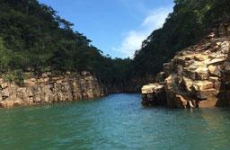 Páscoa com trilhas e cachoeiras também promete festas e baladas