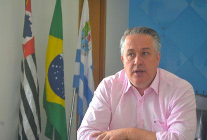 Marcos Michels aciona MP sobre irregularidades em pátio de veículos