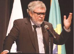 Presidente do IBGE confirma impacto de greve dos caminhoneiros no PIB