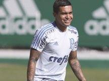 Dudu foi a campo na Academia sorrindo e brincando. Foto: Cesar Greco/Agência Palmeiras