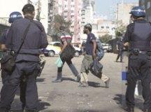 Confusão na cracolândia tem rua bloqueada e depredação