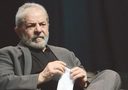 TSE reforça tese de que Lula pode se registrar na eleição, diz defesa do petista