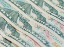 Dólar sobe 0,87% e se aproxima de R$ 3,90 com crise cambial na Turquia