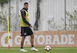 Corinthians deve ter zaga reserva contra a Chape